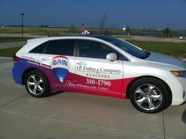 Car Real Estate: Signs And Graphics